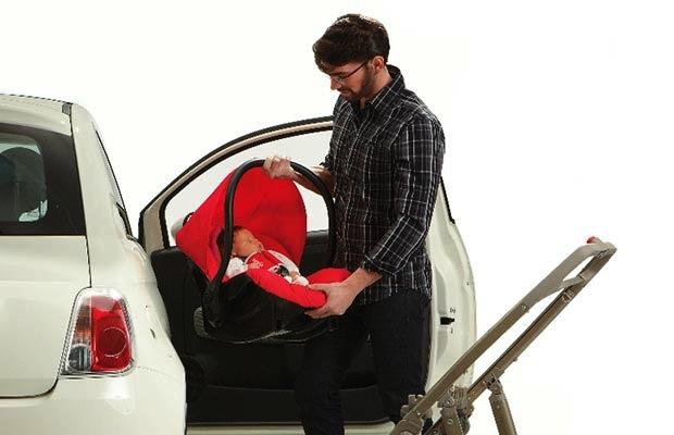 classico donna scegli genuino Come agganciare il seggiolino in auto - La tua auto