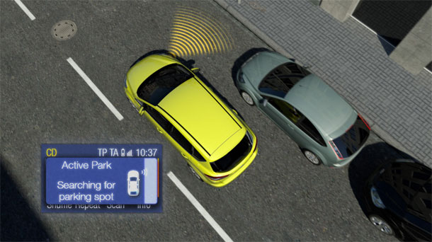 Auto che si parcheggia da sola