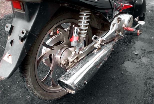 Come lucidare marmitta moto
